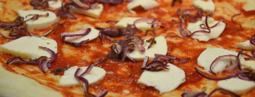 Pizza de Nduja y anchoa