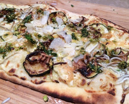 Pizza de calabacín con pesto