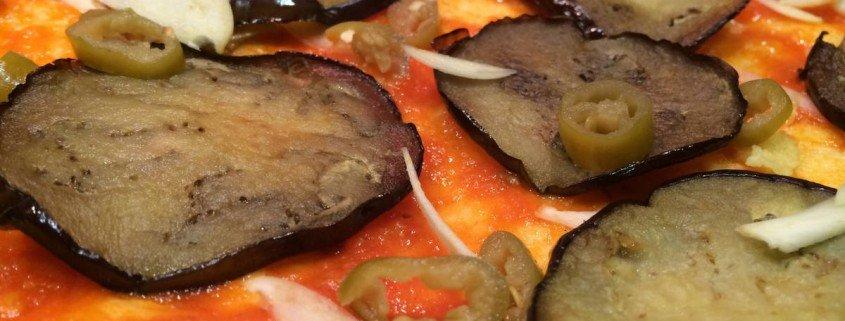 Pizza de berenjena con queso feta (8)