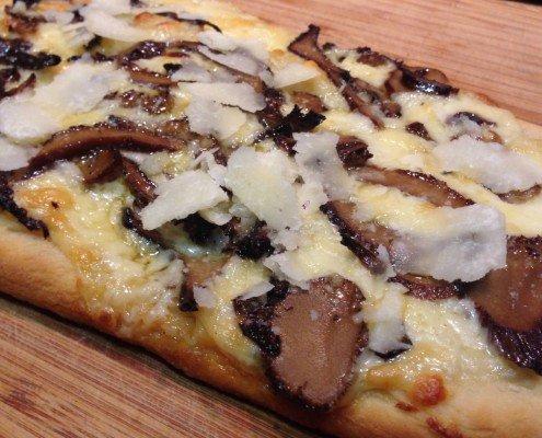Pizza de queso manchego con setas