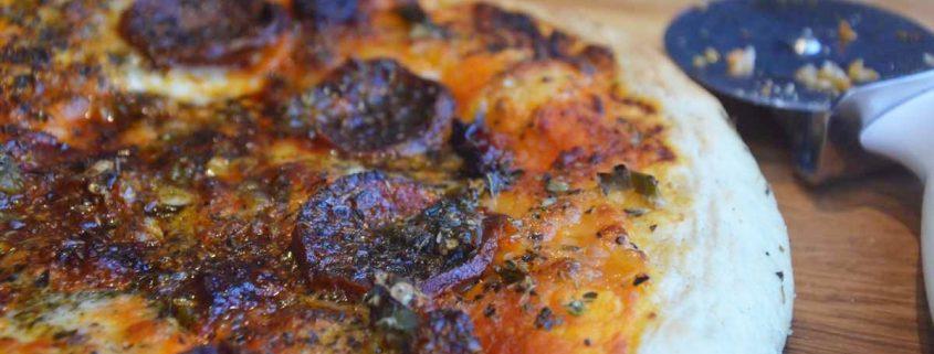 Pizza de chorizo y jalapeño